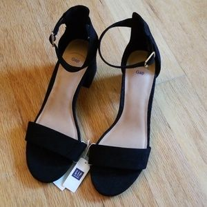 GAP Shoes - Chunky Heel Sandal *Gap*